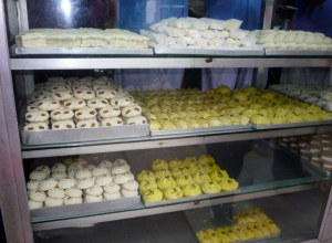 Famous sweets shop in Kolkata called Chitteranjan, they travel far & wide for the sweets.