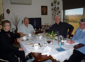 I did Sunday Lunch last week (pea & mint soup, roast lamb with all the trimmings) at Mary Anne's house.  This is a photo of Mary Anne (l), Uncle Jerry (centre left), Fr Peter Bickley who is Parish Priest of Bairnsdale and also a good friend to my uncle, and of course Sr Jeanette on the right).