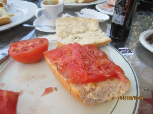 Grace's favourite breakfast - tostado y tomate.  She was happy to have on her last Camino breakfast.