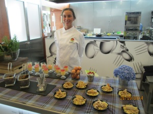 Gabriela with the final presentation of the delicious recipes.