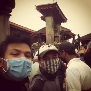 Binay is on the left.