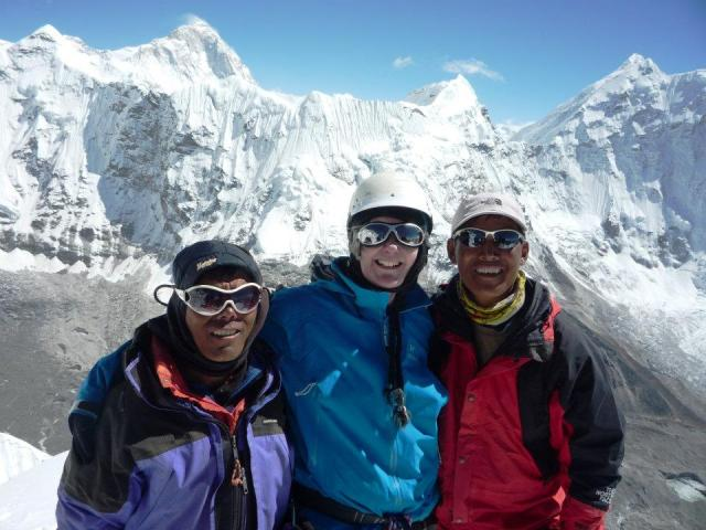 Jangbu Sherpa (l), Mingmar Sherpa (r) and me ... on the summit of Imje Tse