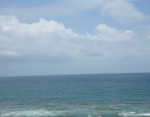 Indian Ocean view from the hotel's roof top )4 stories only)
