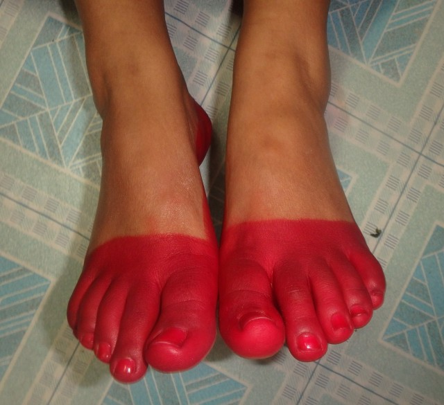 Bride's feet - Newari version of a pedicure